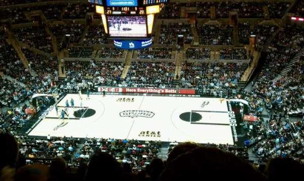 AT&T Center, sección: 223, fila: 11, asiento: 9