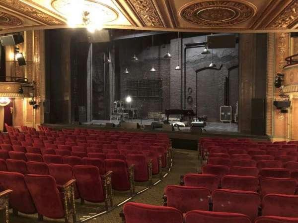 Walter Kerr Theatre, sección: Orch R, fila: Q, asiento: 4