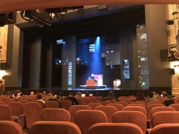 Music Box Theatre, sección: ORCR, fila: N, asiento: 6, 8 And 1