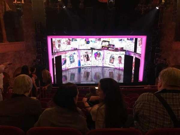 August Wilson Theatre, sección: MEZZC, fila: H, asiento: 111 And 112