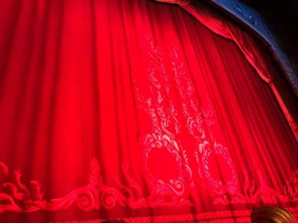 Hudson Theatre, sección: Orchestra C, fila: A, asiento: 101 And 102