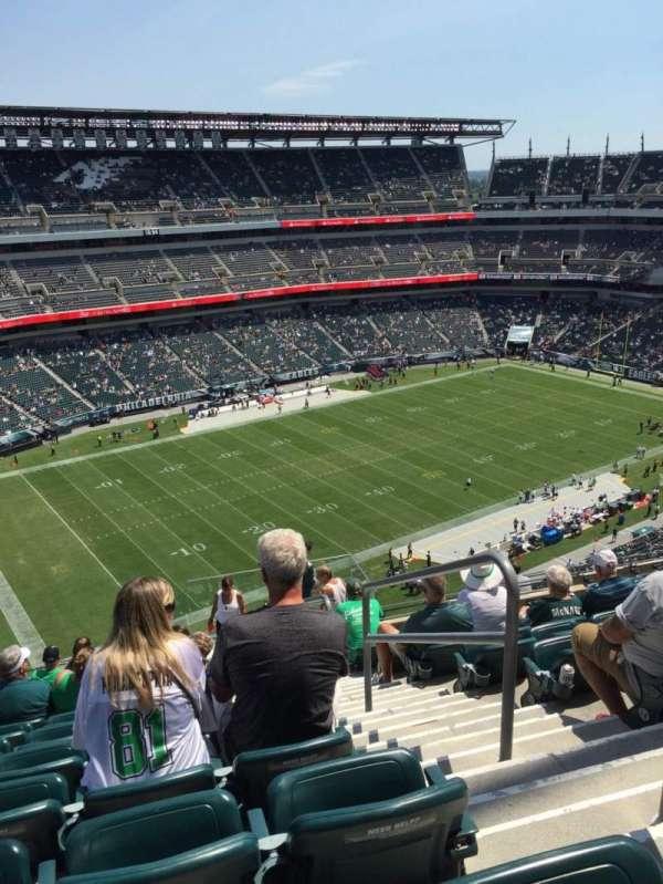 Lincoln Financial Field, sección: 240, fila: 17, asiento: 1