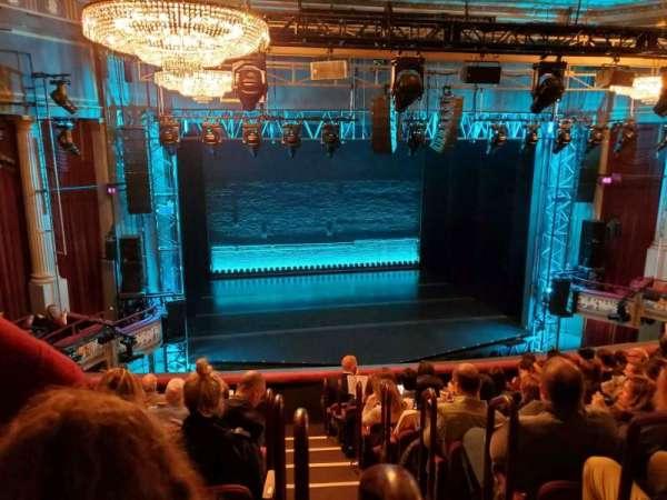 Broadhurst Theatre, sección: Mezzanine L, fila: J, asiento: 1