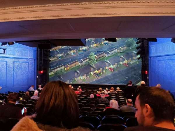 Hayes Theater, sección: Orchestra C, fila: R, asiento: 101