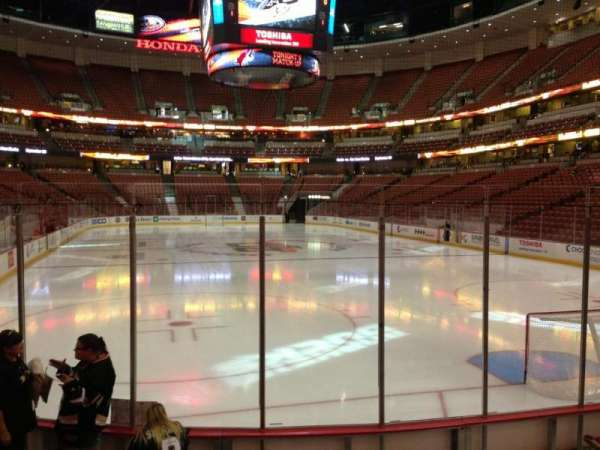 Honda Center, sección: 202, fila: G, asiento: 5