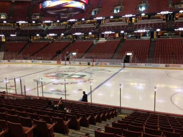 Honda Center, sección: 220, fila: Q, asiento: 12