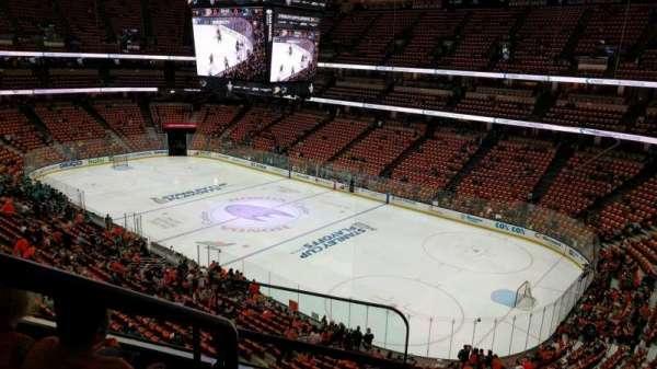 Honda Center, sección: 406, fila: C, asiento: 16