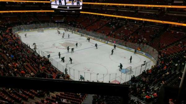 Honda Center, sección: 405, fila: A, asiento: 1