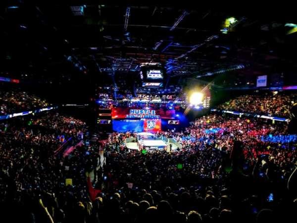 Allstate Arena, sección: 215, fila: L, asiento: 18