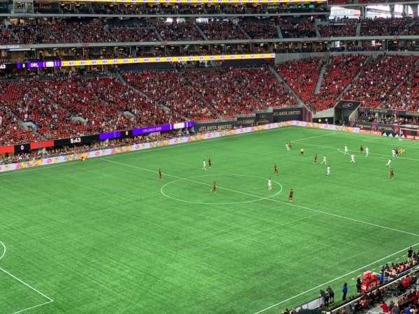 Mercedes-Benz Stadium, sección: 243, fila: 2, asiento: 7