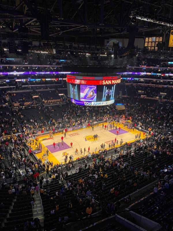 Staples Center, sección: 321, fila: 10, asiento: 4