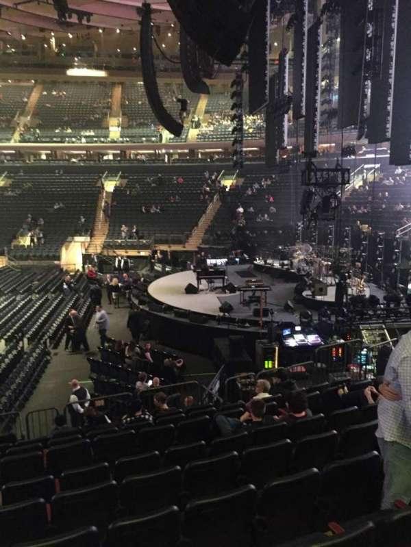 Madison Square Garden, sección: 109, fila: 12, asiento: 7
