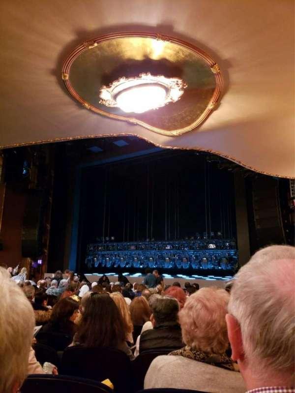 Lunt-Fontanne Theatre, sección: Orchestra R, fila: R, asiento: 20