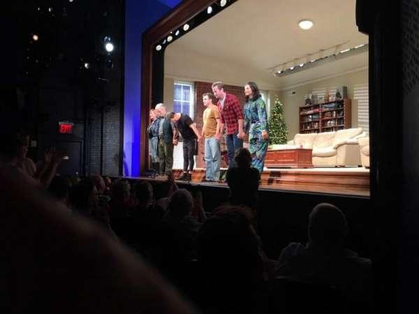 Hayes Theater, sección: Orchestra R, fila: F, asiento: 10