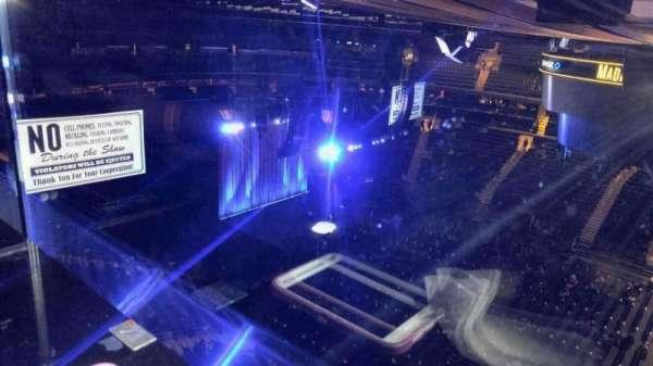 Madison Square Garden, sección: 326, fila: 1, asiento: 24