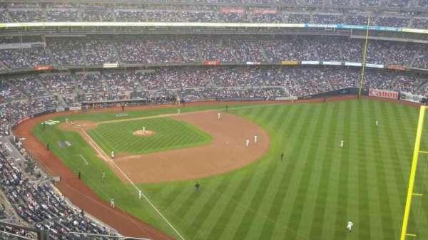 Yankee Stadium, sección: 408, fila: 10, asiento: 18