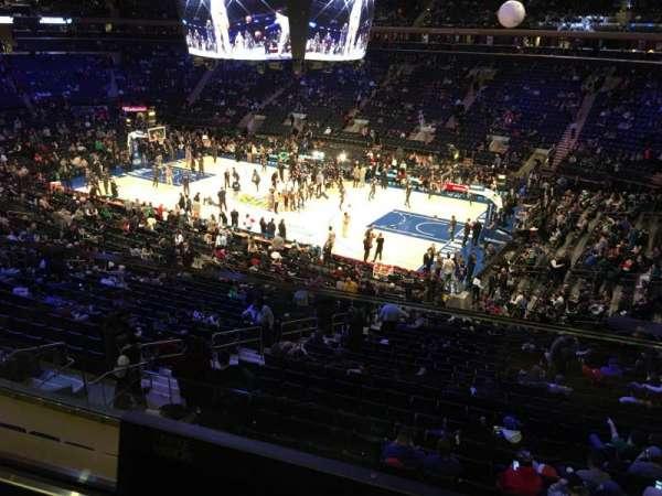 Madison Square Garden, sección: 213, fila: 1, asiento: 13
