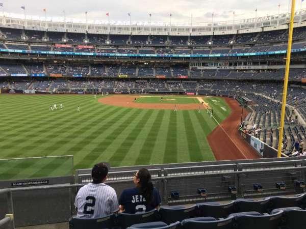 Yankee Stadium, sección: 233B, fila: 5, asiento: 1
