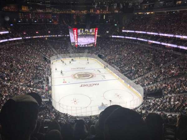 T-Mobile Arena, sección: 213, fila: J, asiento: 4