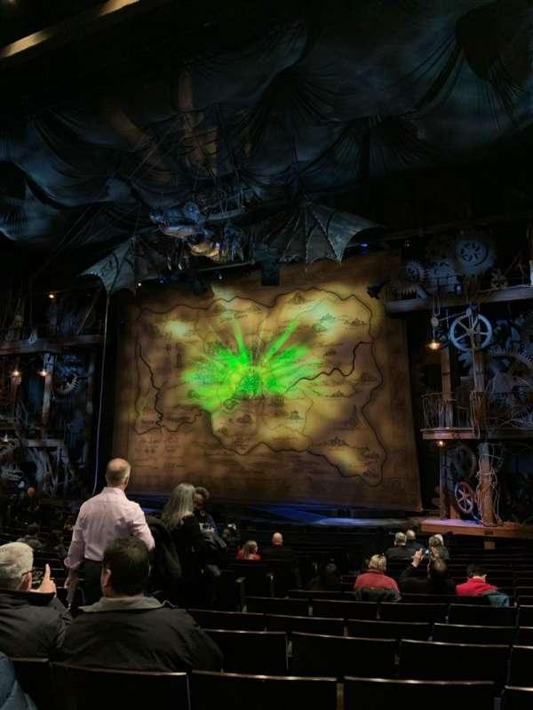 Gershwin Theatre, sección: Orchestra R, fila: M, asiento: 10