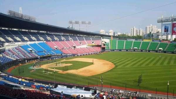 Jamsil Baseball Stadium, sección: 305, fila: 9, asiento: 83