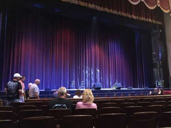 Rialto Square Theatre, sección: 2, fila: G, asiento: 211
