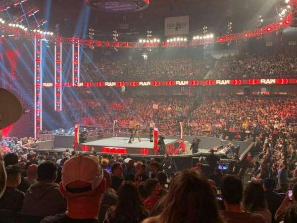 Allstate Arena, sección: 102, fila: J, asiento: 4