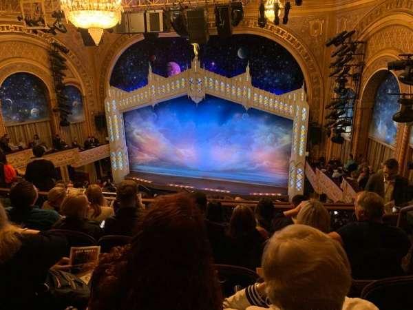 Eugene O'Neill Theatre, sección: MEZZR, fila: J, asiento: 122