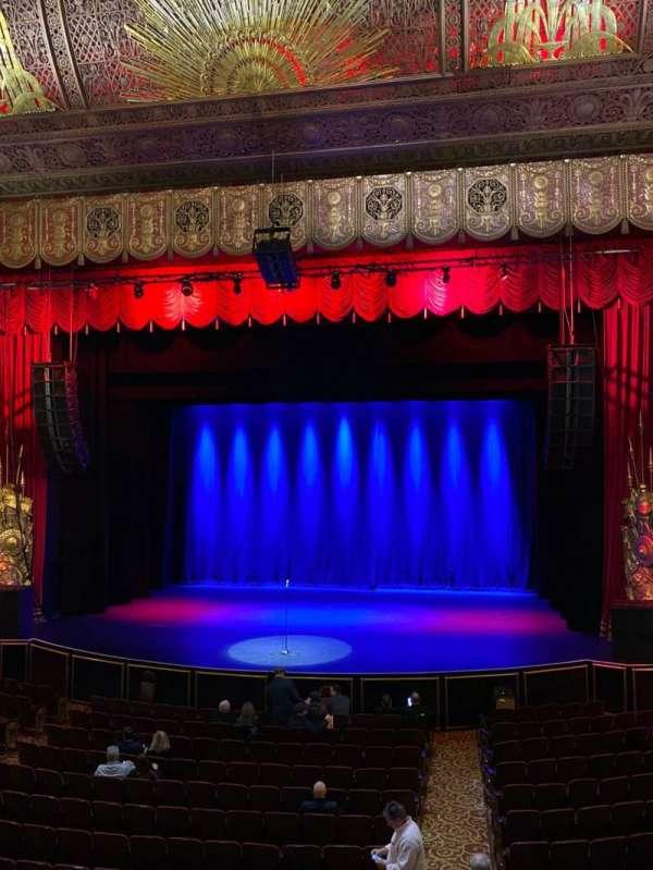 Beacon Theatre, sección: Loge 2, fila: A, asiento: 2