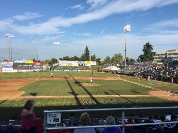 Everett Memorial Stadium, sección: J, fila: 8, asiento: 11