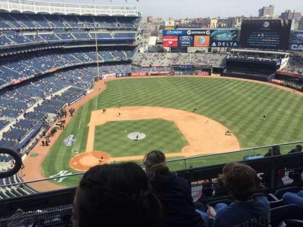 Yankee Stadium, sección: 417, fila: 4, asiento: 19