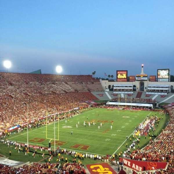 Los Angeles Memorial Coliseum, sección: 13H, fila: 75, asiento: 119