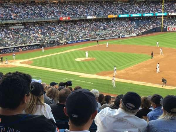 Yankee Stadium, sección: 214a, fila: 9, asiento: 1