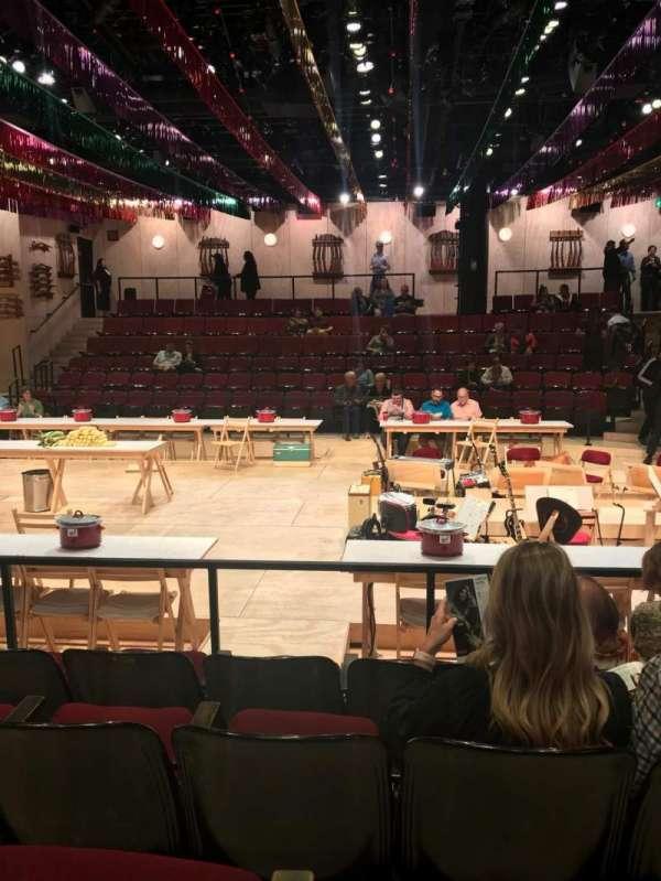 Circle in the Square Theatre, sección: Orchestra 200 (Odd), fila: E, asiento: 219
