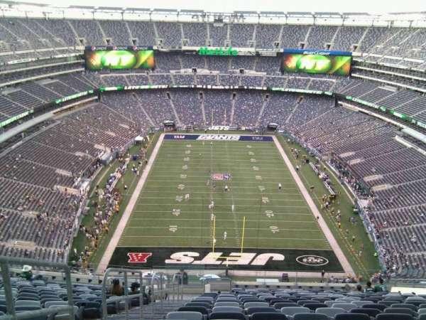 Metlife Stadium, sección: 326, fila: 24, asiento: 19