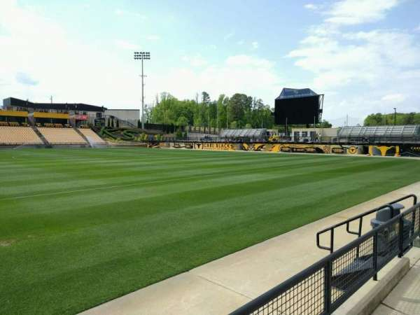 Fifth Third Bank Stadium, sección: 127, fila: b, asiento: 7