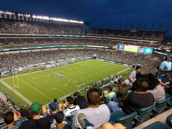 Lincoln Financial Field, sección: 239, fila: 13, asiento: 9