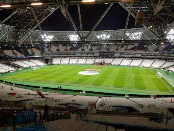 London Stadium, sección: 238, fila: 58, asiento: 358