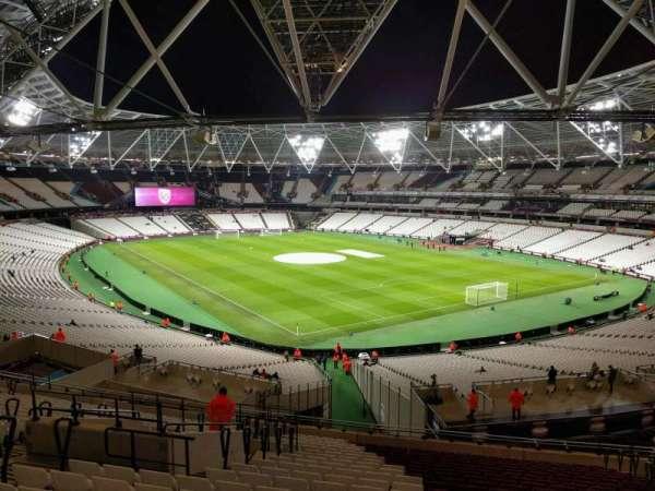 London Stadium, sección: 244, fila: 51, asiento: 168