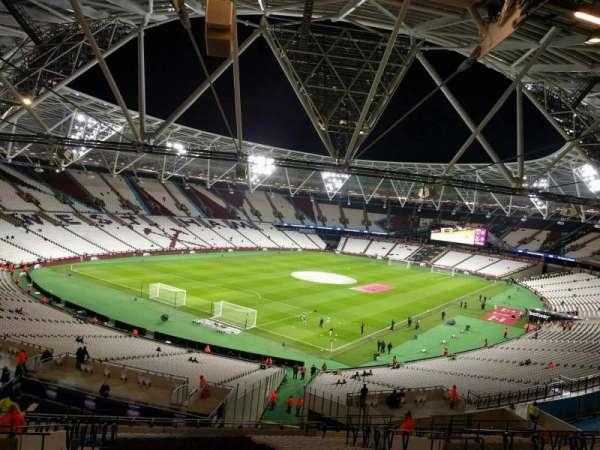London Stadium, sección: 255, fila: 55, asiento: 697