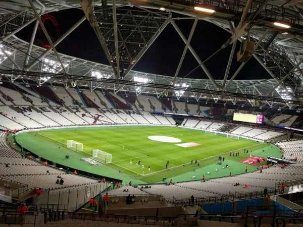 London Stadium, sección: 256, fila: 57, asiento: 666