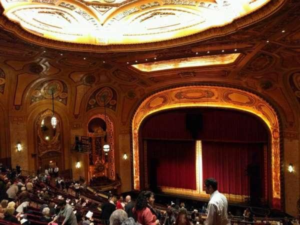 Shea's Buffalo, sección: Balcony 3, fila: s, asiento: 14
