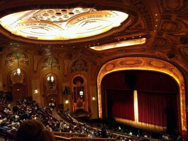 Shea's Buffalo, sección: Balcony 2, fila: t, asiento: 44