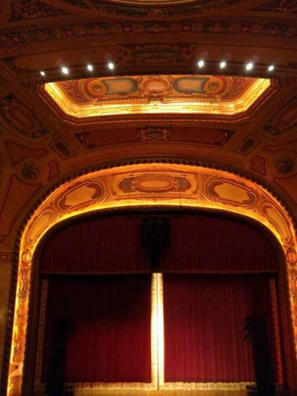 Shea's Buffalo, sección: Balcony 4, fila: h, asiento: 206