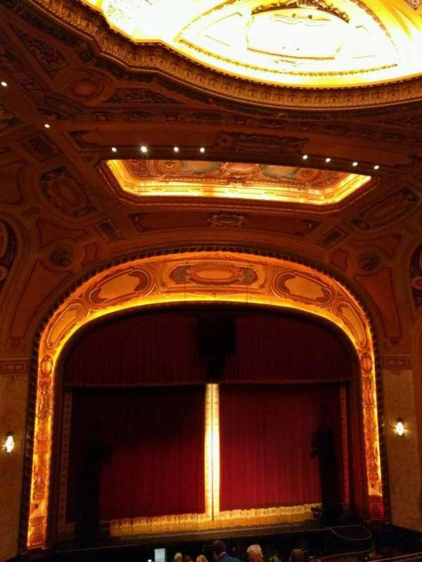 Shea's Buffalo, sección: Balcony 5, fila: j, asiento: 5