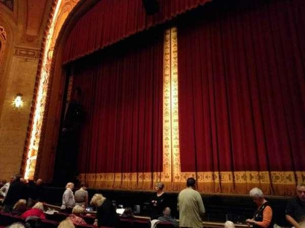 Shea's Buffalo, sección: Orchestra 2, fila: g, asiento: 8