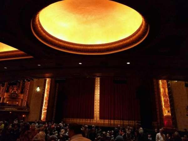 Shea's Buffalo, sección: Orchestra 2, fila: v, asiento: 28