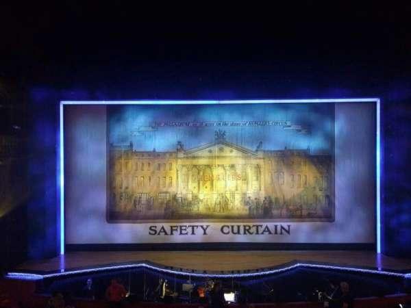 The London Palladium, sección: Royal Circle, fila: A, asiento: 22