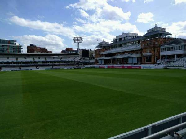 Lord's Cricket Ground, fila: 2, asiento: 30