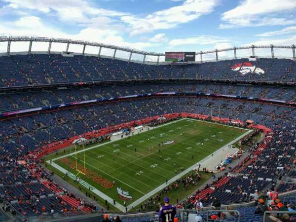 Empower Field at Mile High Stadium, sección: 542, fila: 20, asiento: 5